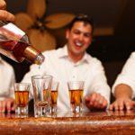 ¿Mezcal o Tequila cuál prefieres? Conoce sus diferencias.